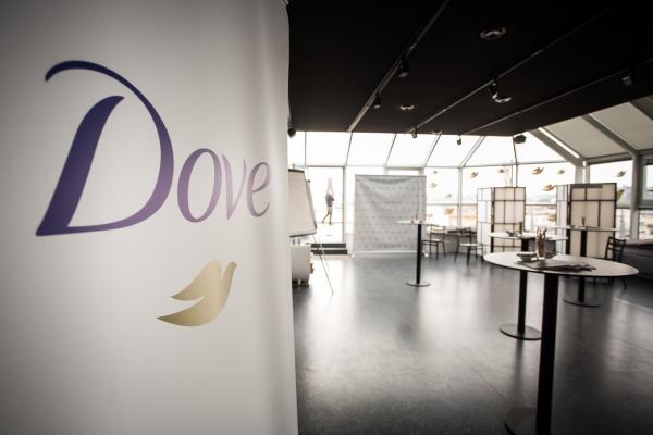 DOVE tisková konference | Art & Event Gallery Černá Labuť