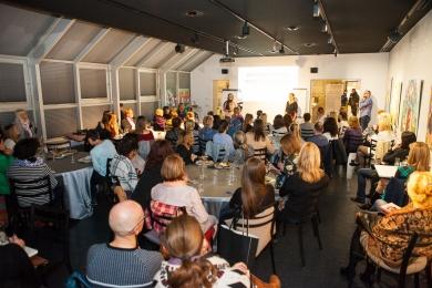 Ajurvédská večeře s přednáškou v Art & Event Gallery Černá Labuť