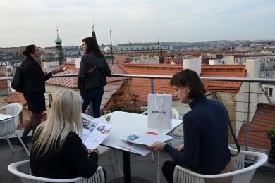 Francouzsko-česká obchodní komora, Café du Commerce, networkingové setkání | Art & Event Gallery Černá Labuť
